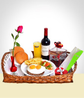 Breakfasts & Events - Full Breakfast for Mom