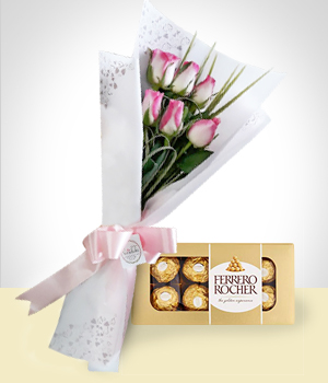 Send Flowers to :  Sweet Detail Combo