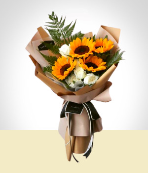 Send Flowers to :  Sunflowers & Roses Bouquet
