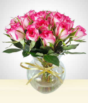 Flower Arrangements - Cutie: Vase  with  small roses