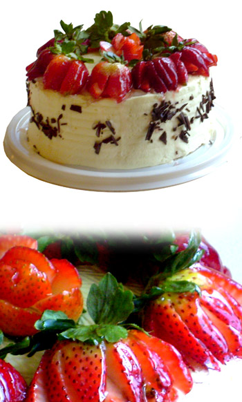 Cakes - Strawberry Mousse Cake - 12 people